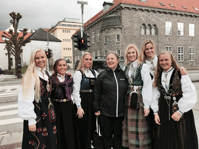 Norwegian Girls and Kitty in Bergen